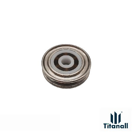 PAIR OF FUSION D29X7 PULLEYS WITH BEARING